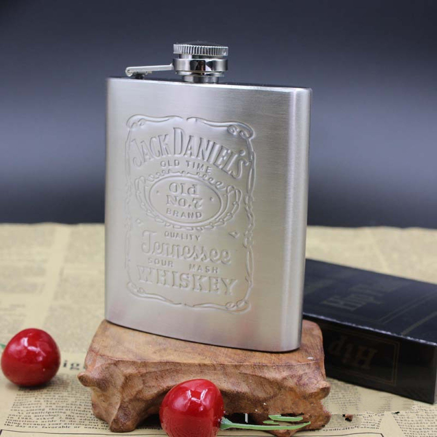 With Box Portable Stainless Steel Hip Flask 7oz Embossed Flagon Flasks Russian Wine Beer Whiskey Bottle Alcohol
