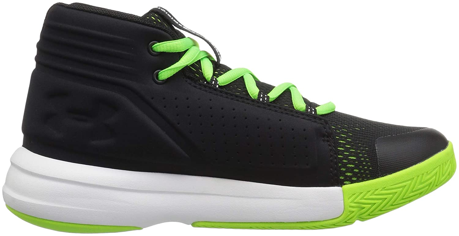 Under Armour Mens Strive 6 Basketball Shoe