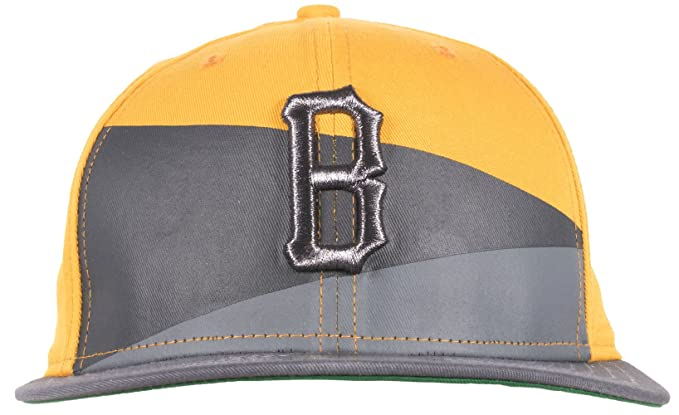 Amazon.com  Black Scale B Logo Mens Fitted Hat in Yellow  Clothing 635c6918033d