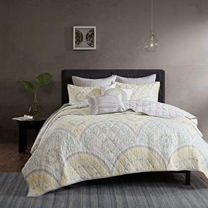 Urban Habitat Matti Full/Queen Quilt Bedding Set - Pale Aqua, Yellow, Medallion – 7 Piece Teen Girl Boy Bedding Quilt Coverlets – 100% Cotton Percale Bed Quilts Quilted Coverlet