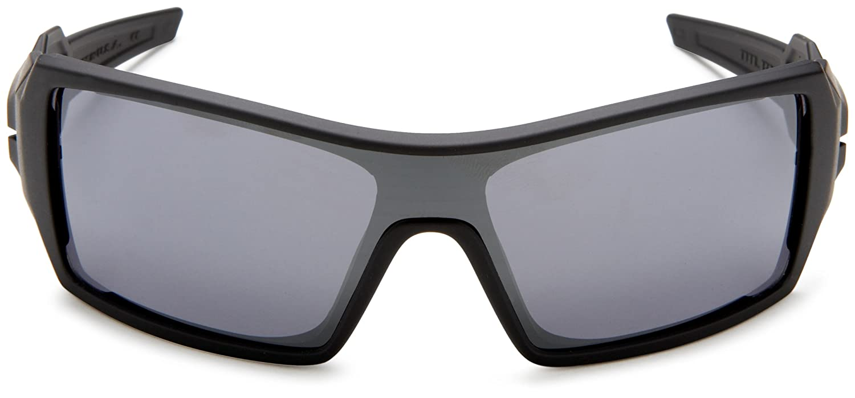 6b922dc4d1 Amazon.com  Oakley Oil Rig Men s Lifestyle Sports Sunglasses Eyewear - Matte  Black Black Iridium One Size Fits All  Oakley  Clothing