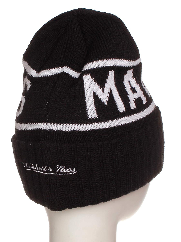 fb19c825e1f Amazon.com   Mitchell   Ness NBA Licensed Winter Beanie Cuffed Knit Skully  Hat Cap - Black  Dallas Mavericks   Sports   Outdoors