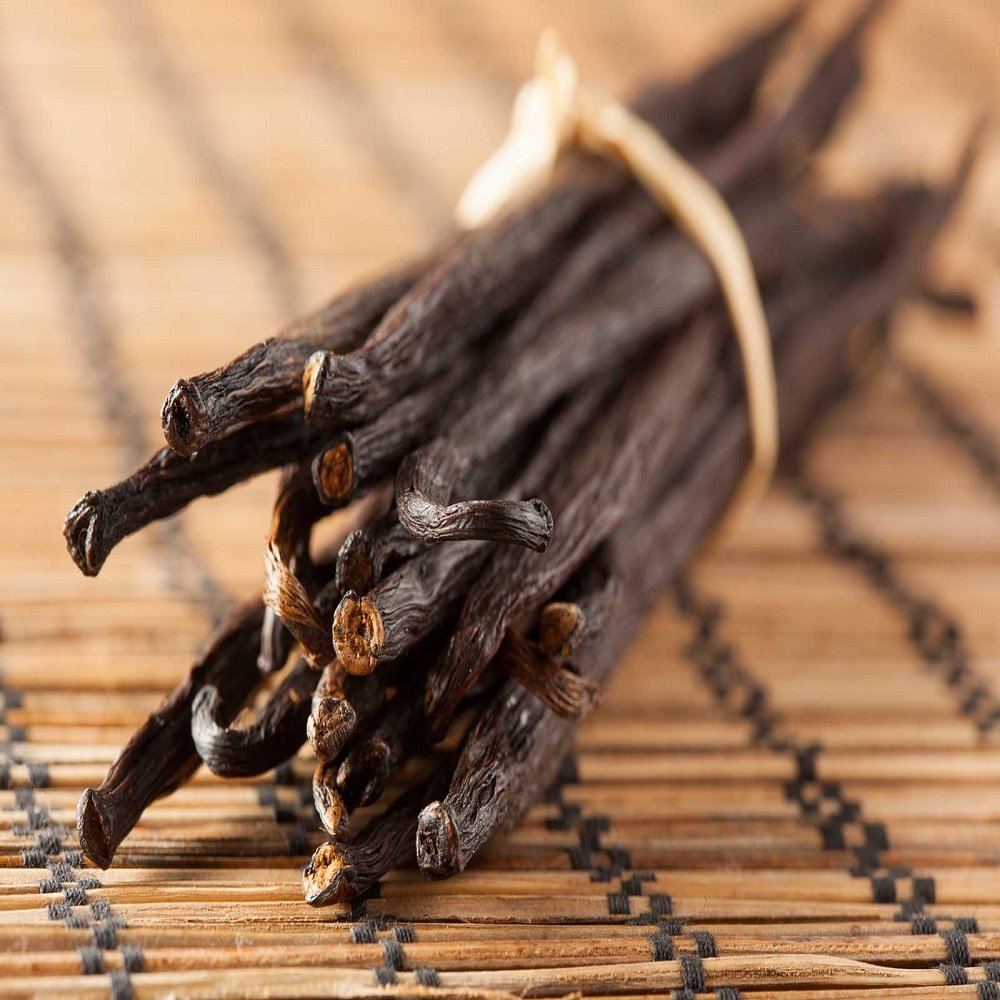 VANILLA FRAGRANCE OIL - 4 OZ - FOR CANDLE & SOAP MAKING BY VIRGINIA CANDLE SUPPLY - FREE S&H IN USA