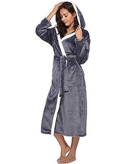 Aibrou Femme Peignoir Polaire à Capuche avec 2 Poches Hiver Peignoir de  Bain Flanelle Robe de 98b8c4d2b12b