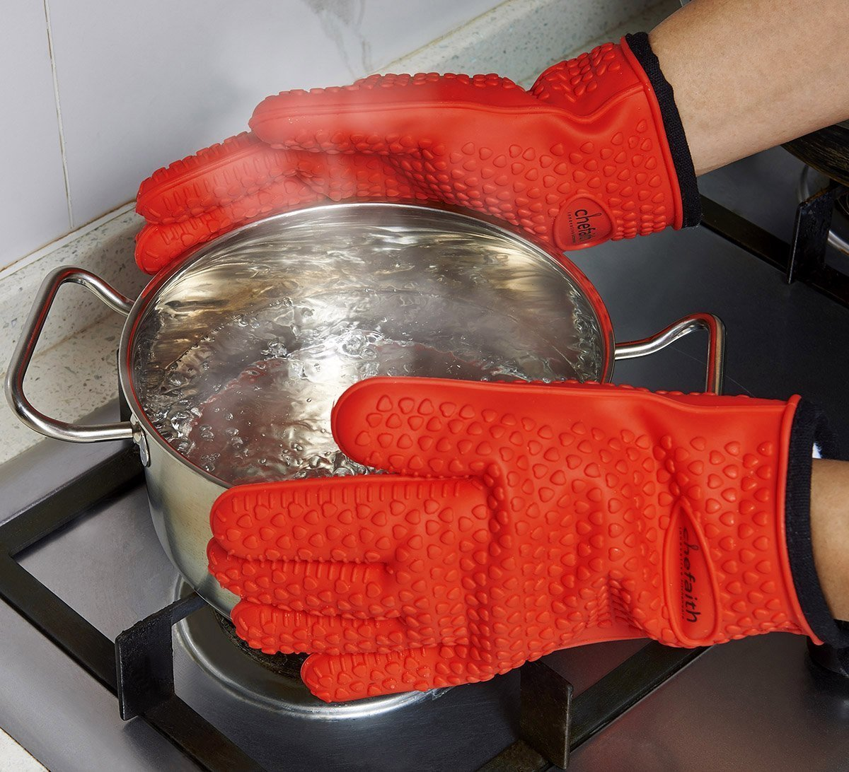 Chefaith Silicone Kitchen Gloves [Barbecue Shredding Smoker Meat Gloves] for Cooking, Baking, BBQ, Grilling [Free Pot Holder as Bonus]- Heat Resistant (Up to 480°F) Oven Mitts, Best Protection Ever by Chefaith (Image #3)
