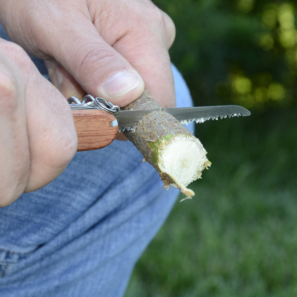 Victorinox Swiss Army Huntsman Pocket Knife, Hardwood,91mm by Victorinox (Image #4)