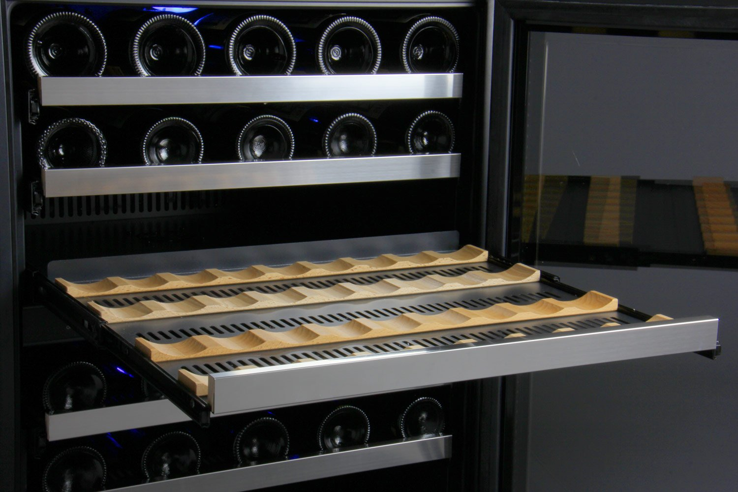 Allavino FlexCount VSWR56-2SSRN - 56 Bottle Dual Zone Wine Refrigerator with Right Hinge Built-In by Allavino (Image #7)