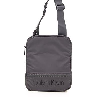 95bab441a8 Amazon.com  CALVIN KLEIN BAGS MAN MATTHEW FLAT K50K502881 grey  Clothing