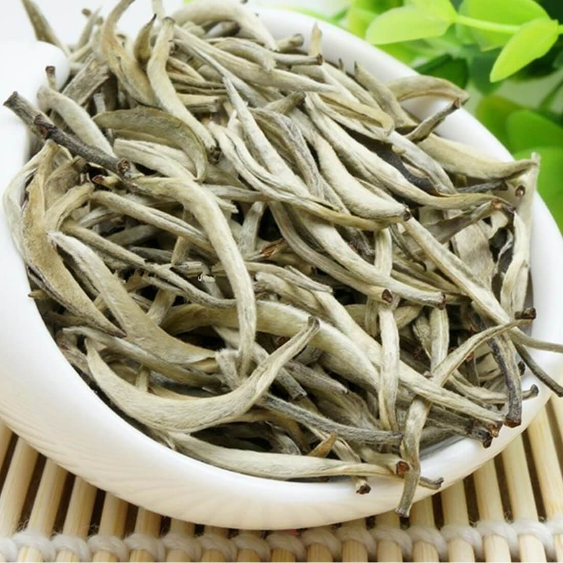 Premium Chinese Organic Bai Hao Yin Zhen Silver Needle White Leaf Tea - Direct Delivery From Fujjan China - Cholesterol Lowering Weight Loss Tea (500g (17.63 ounce))