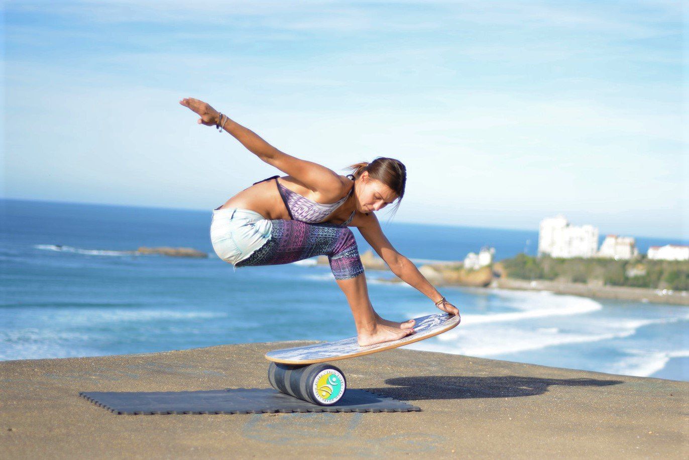 """INDO BOARD Original Balance Board with 6.5"""" Roller and 30"""" X 18"""" Non-Slip Deck – Wave Design by INDO BOARD (Image #8)"""