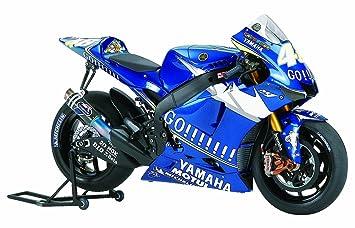 Tamiya 14116 - Maqueta Para Montar, Moto GP Yamaha YZR-M1 ...