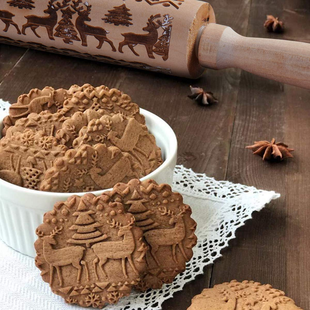 Christmas Wooden Rolling Pins Engraved Embossing Rolling Pin with Christmas Symbols for Baking Embossed Cookies (43x5cm),7 Cookie Cutters Included