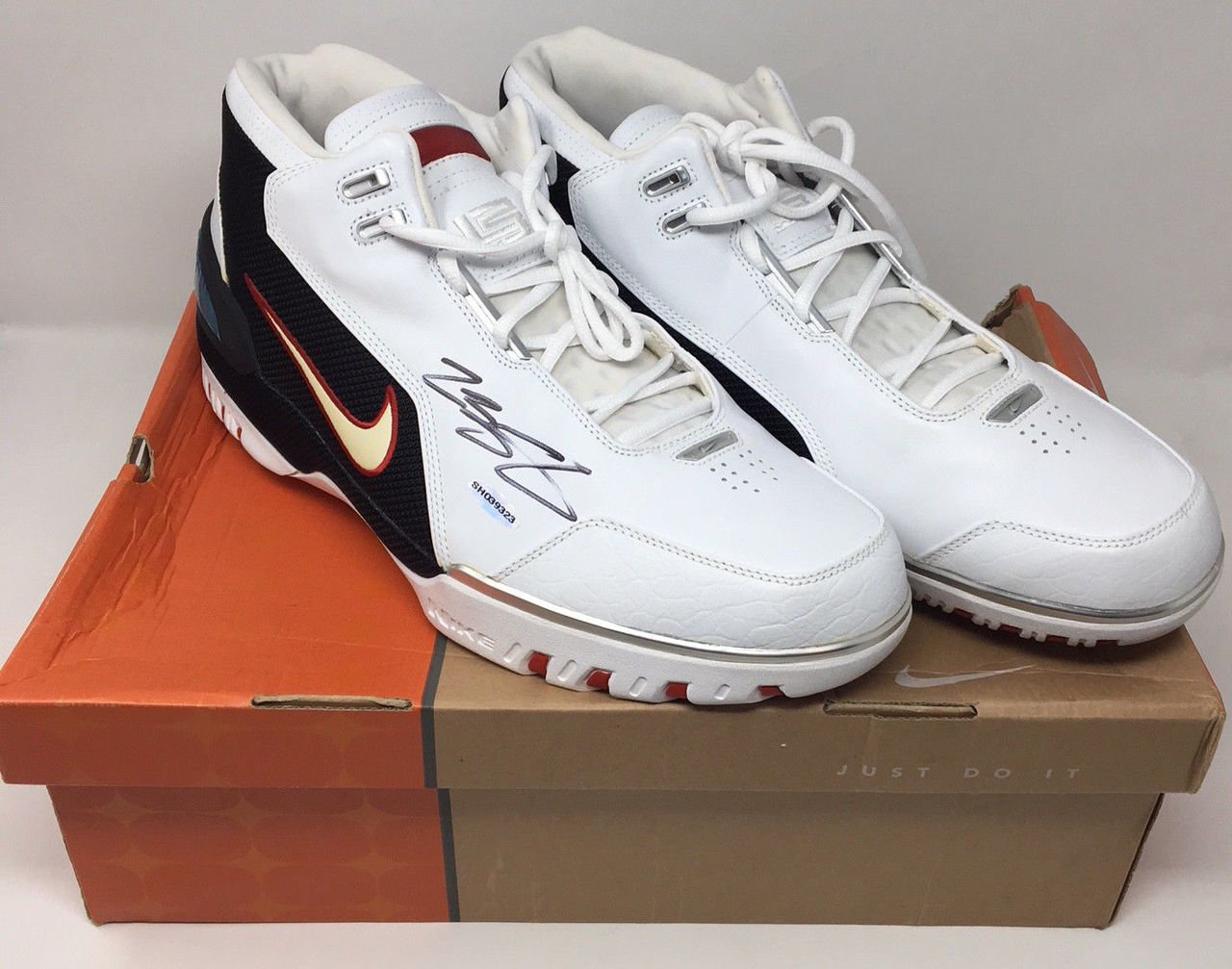 b9c39884795 Amazon.com  LEBRON JAMES Signed Original Air Zoom Generation Rookie Year  Size 15 Shoes UDA  Sports Collectibles