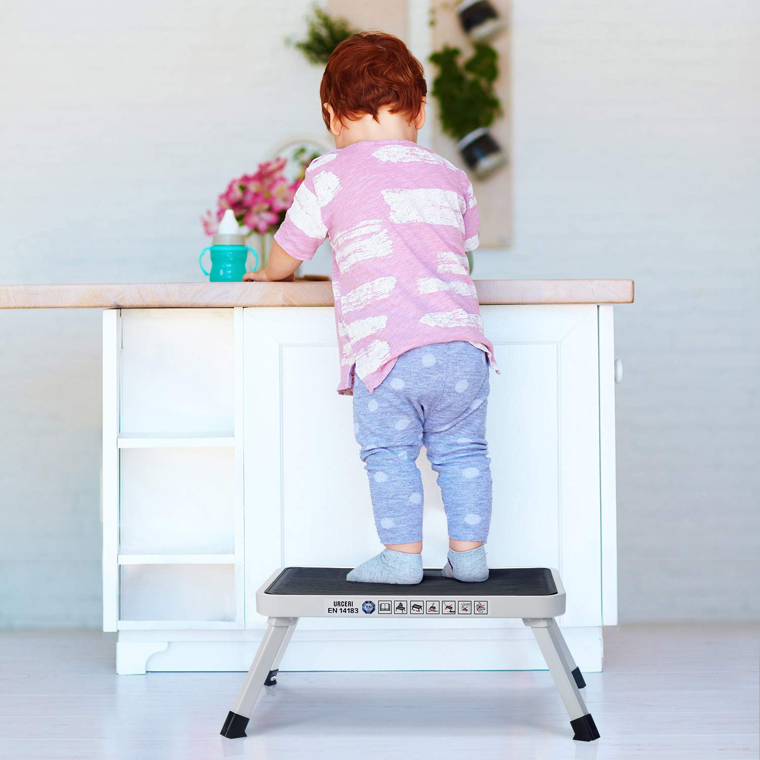 URCERI Folding Steel Step Stool with Non-Skid Plastic Platform Portable Lightweight One Step Ladder with Built-in Handle and Max Load 330 lbs. for Adults Seniors Kids to use at Home Bathroom Kitchen by URCERI (Image #4)