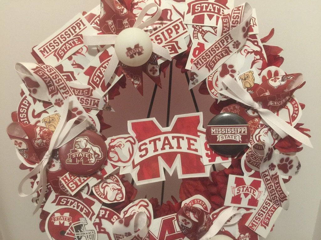 COLLEGE PRIDE - MSU -MISSISSIPPI STATE UNIVERSITY - BULLDOGS - DAWGS - DORM DECOR - DORM ROOM - COLLECTOR WREATH - MAROON DAHLIAS AND CHRYSANTHEMUMS by Peters Partners Design (Image #5)