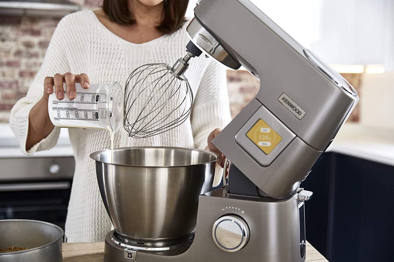 Küchenmaschine mit Waage – wo rentiert sich der Küchenhelfer?
