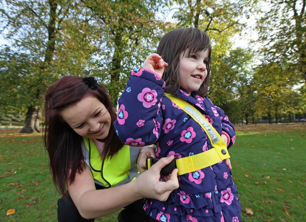 Walkodile Duo 2 child Reins for Twins - Safety Harness for Two Children Includes Free Learning Games for Walks Guide