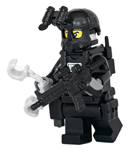 Amazoncom Modern Brick Warfare Swat Police Officer M4a1 Rifleman