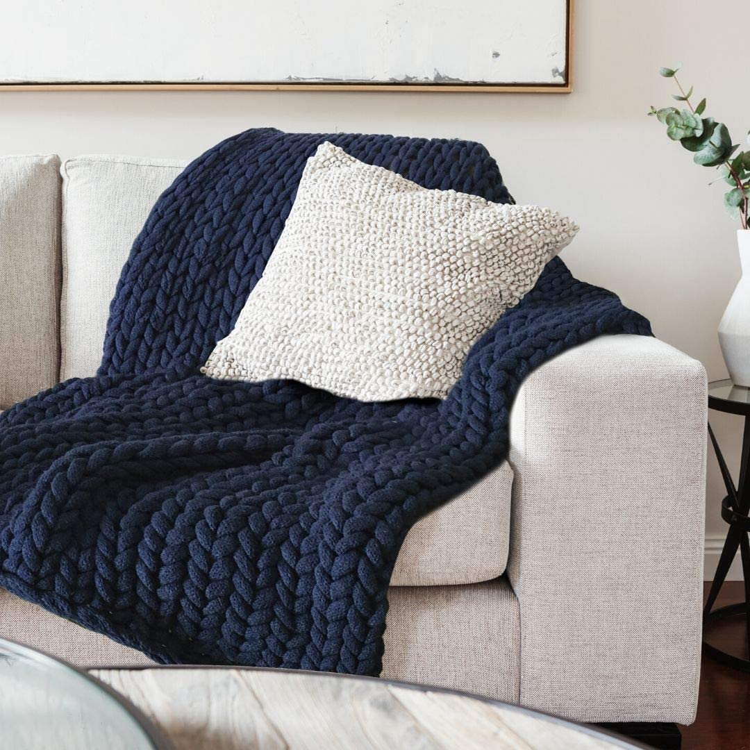 Chunky Knit Blanket Throw Navy Blue - Super Thick Warm & Cosy Navy Throw Blanket - Luxury No Shedding Braided Cable Knit Chunky Blanket - Chunky Knit Blanket Yarn - Match with Your Navy Throw Pillow