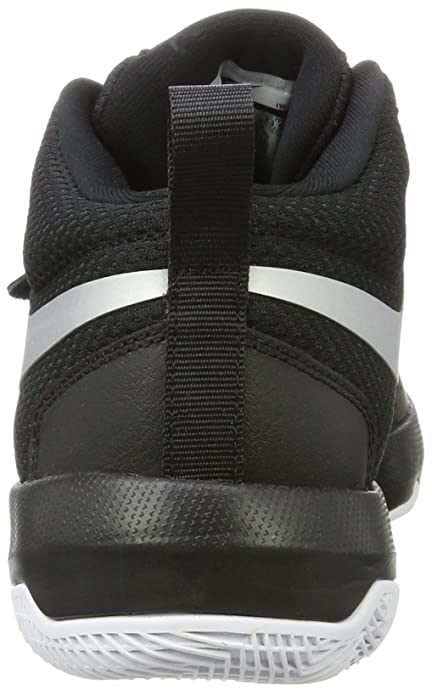 best loved 4bd2a d0dd4 Amazon.com   Nike Kids  Team Hustle D 8 (Gs) Basketball Shoe   Basketball