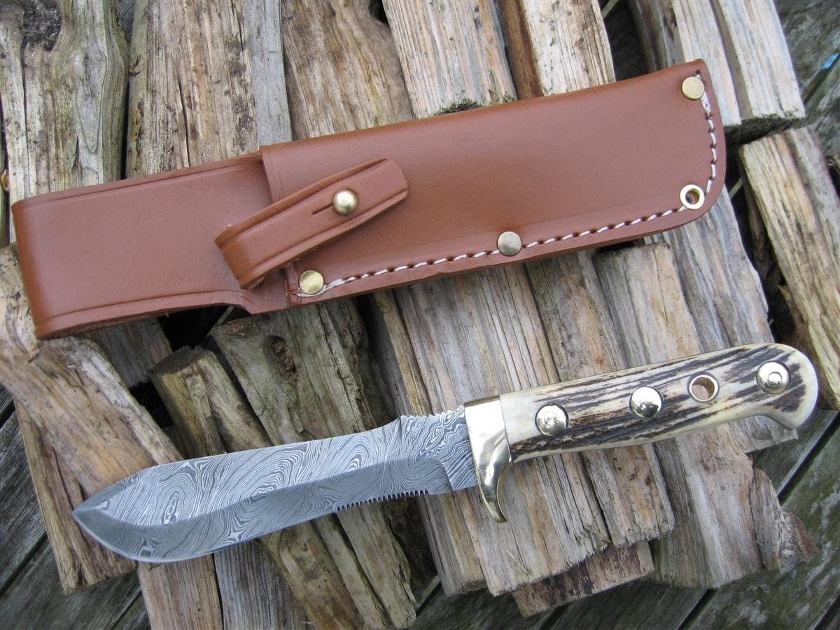 Craftsman made by English Maker White Hunter – Damascus Blade – Stag Antler Handle – Collector s Item