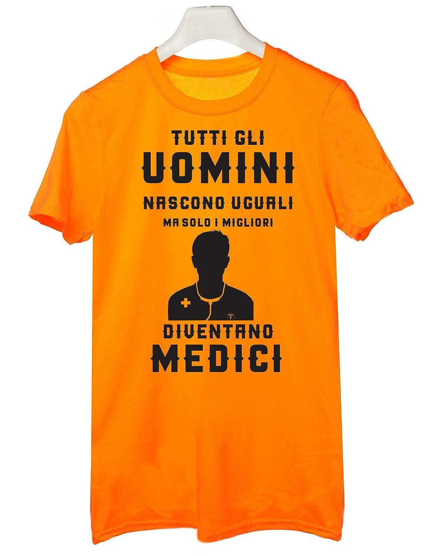 Tutte Le Taglie by tshirteria Tshirt Tutti Gli Uomini Nascono Uguali ma Solo i Migliori Diventano Medici