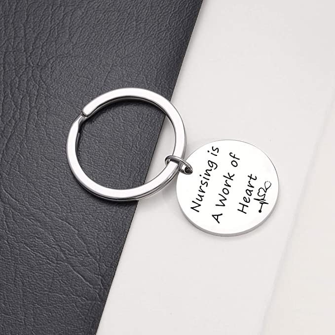 Amazon.com: Llavero para enfermera, regalo de graduación de ...