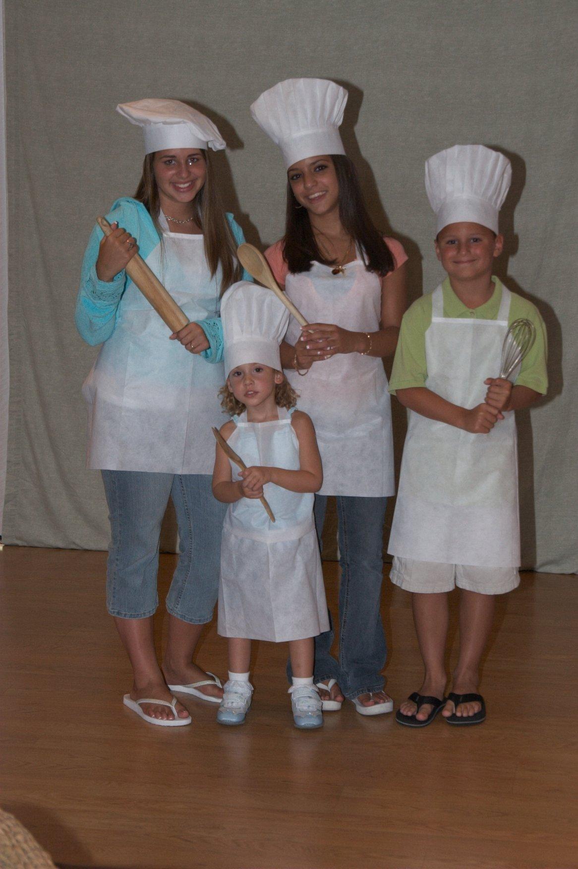 Joyfull ''Linen-look'' Children's Apron, 10 Pack, Disposable