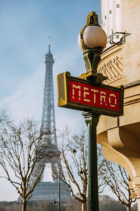 Metro de París con la torre Eiffel en fondo foto arte de ...