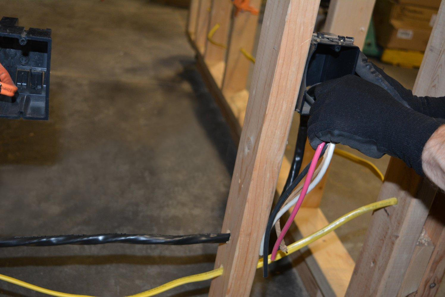 Romex 63950032 50 Ft 6 3 Black Stranded Cu Simpull Nm B Wire Metal Jacket Wiring