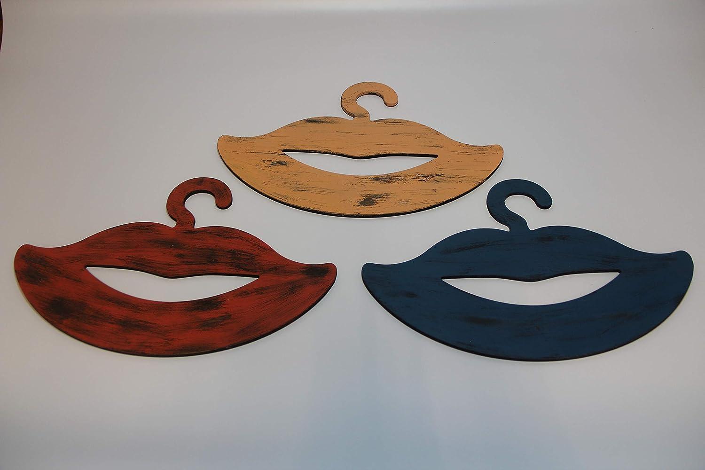 BugyBagy Pack of 3 Special Lips Design Rustic Wood Coat Hanger Hand-Painted Om Oyuncak
