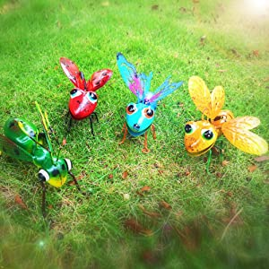 3D Metal Insect Yard Decor, Yellow Bee, Blue Butterfly, Red Ladybug, and Green Mantis Wall Decor Sculpture Hang Hanging Art Outdoor Garden for Bedroom, Living Room, Patio, Office