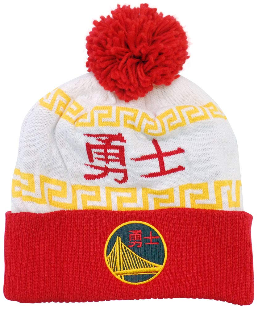 3cf021ed040a4 Amazon.com   adidas Golden State Warriors Chinese New Year Cuffed Knit Pom  Hat Cap   Sports   Outdoors