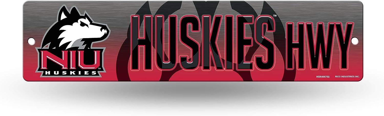 Northern Illinois Huskies NCAA Rico Industries 16-Inch Plastic Street Sign D/écor