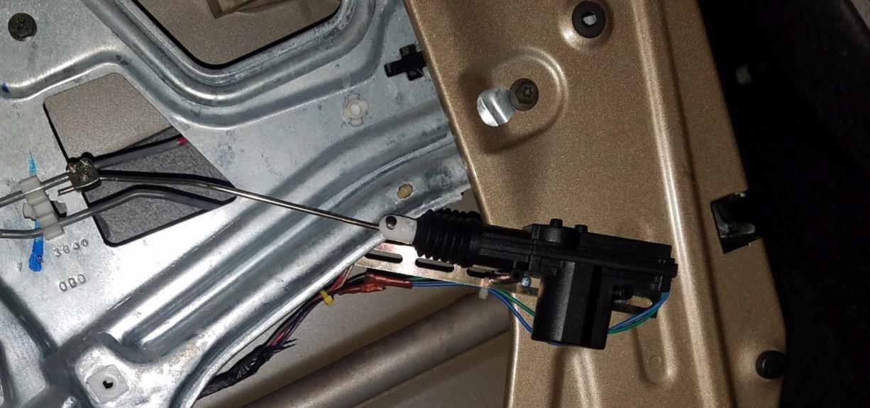 Superb Amazon Com Installgear Universal Car Power Door Lock Actuators 12 Wiring Cloud Hisredienstapotheekhoekschewaardnl