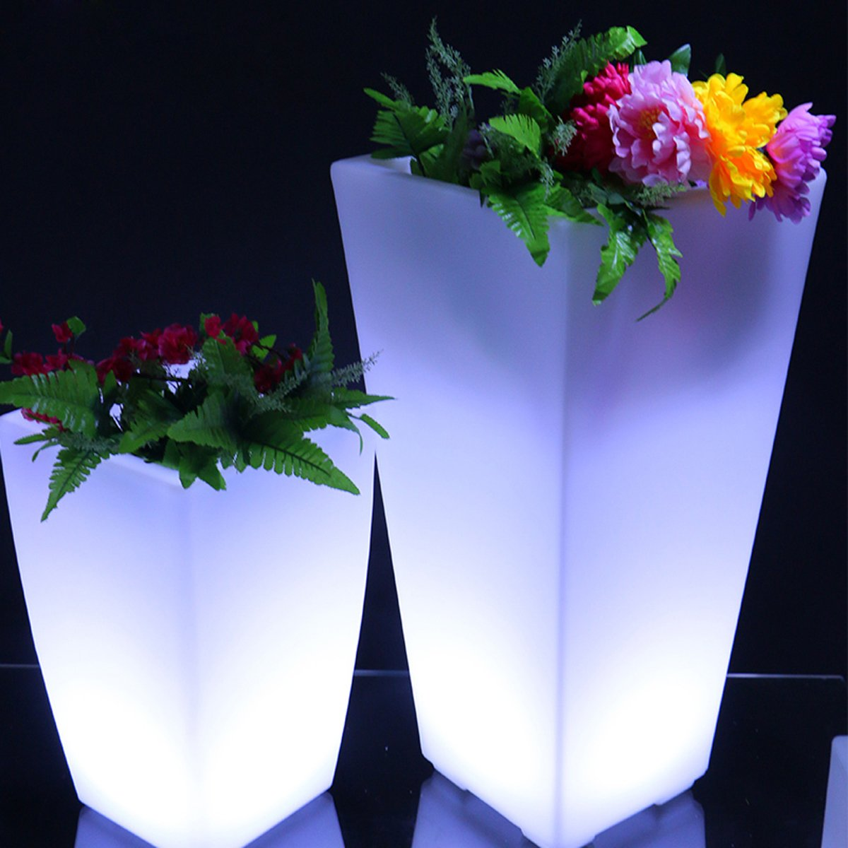 Wireless Outdoor Flower Pot With Led Lighting Landscape Hotel Restaurant Decorative Lighting by IVER