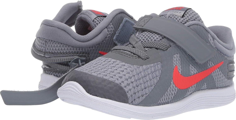 Nike Kids Unisex Revolution 4 FlyEase