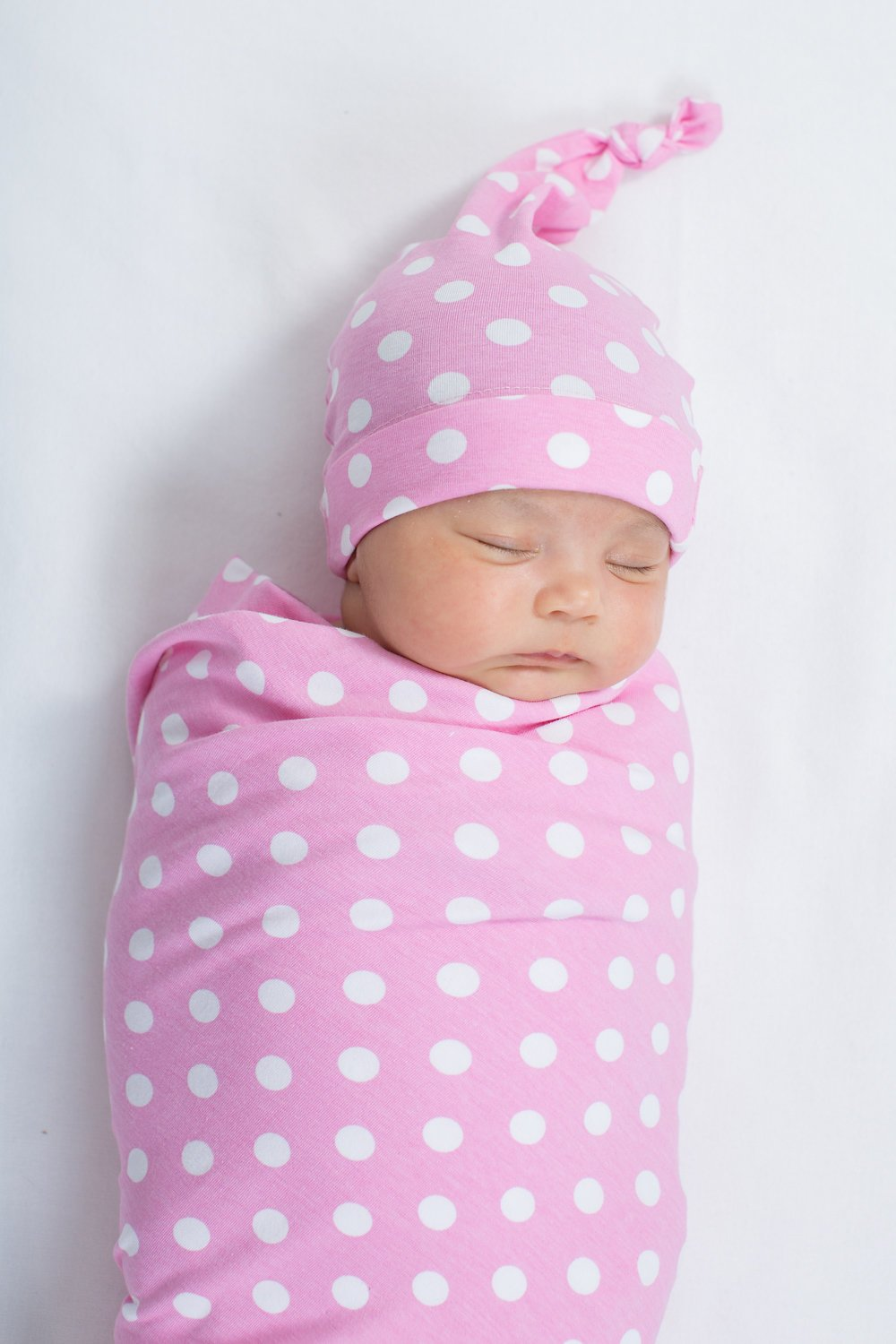 Amazon.com  Baby be Mine Newborn Baby Swaddle Blanket with Matching Knotted  Hat df5267897