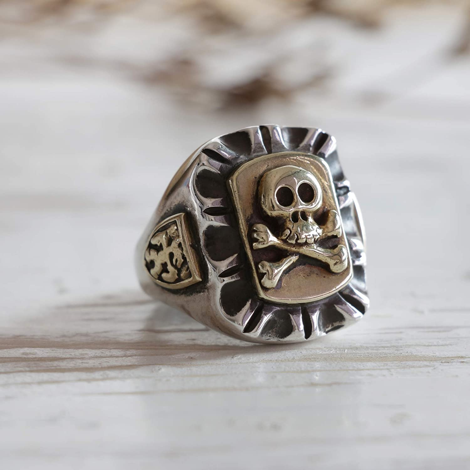 Handmade Mexican Sterling Silver Vintage Style Pirate Skull and Crossbones Caribbean Sea Ring - DeluxeAdultCostumes.com