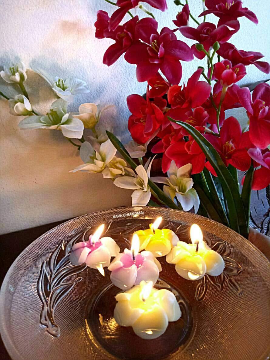 NAVA CHIANGMAI Plumeria Flower Floating Candles 10 pieces / 1 Set by NAVA CHIANGMAI (Image #6)