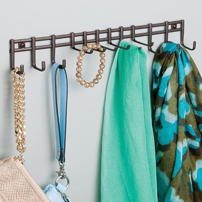 mDesign Perchero de pared - Práctico colgador de cinturones y corbatas - Corbatero para colocación en pared, también para cinturones, toallas, carteras y ...