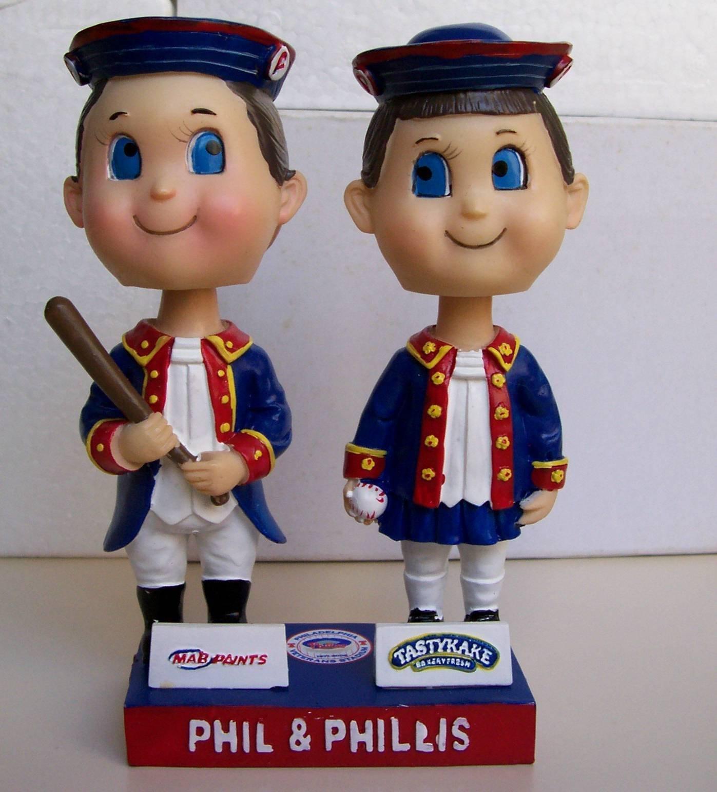 2003 PHILADELPHIA PHIL PHILLIS DUAL BOBBLEHEAD VETERANS STADIUM SGA LOOKS MINT
