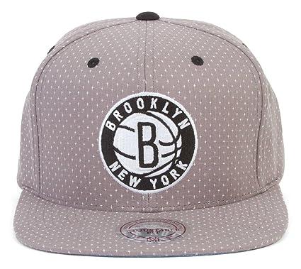 35cce45f Amazon.com : Mitchell And Ness Brooklyn Nets Snapback : Sports ...