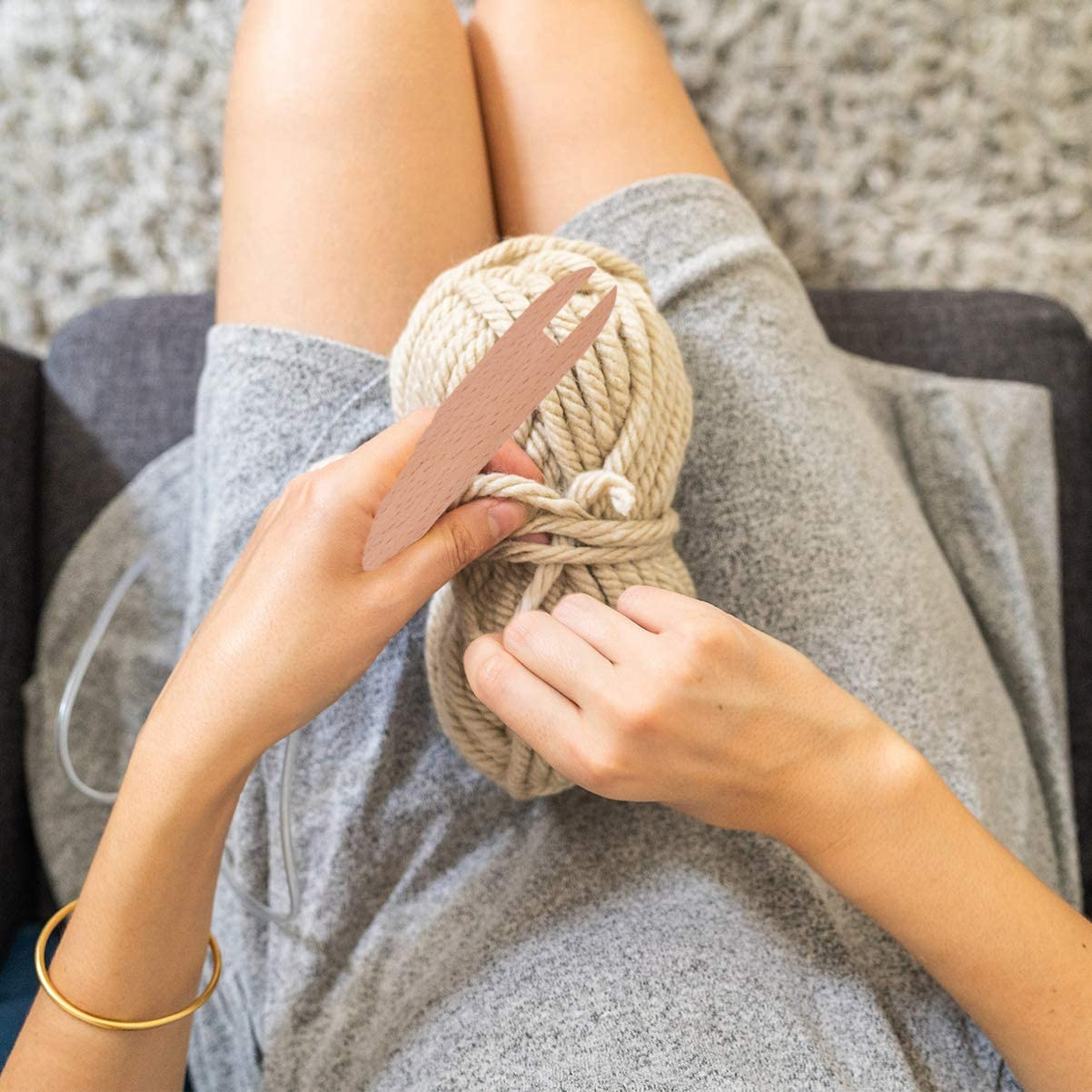 ARTIBETTER Weaving Shuttle DIY Wooden Knitting Stick Sweater Tapestry Wooden Shutter Tool for Handicrafts Small Size