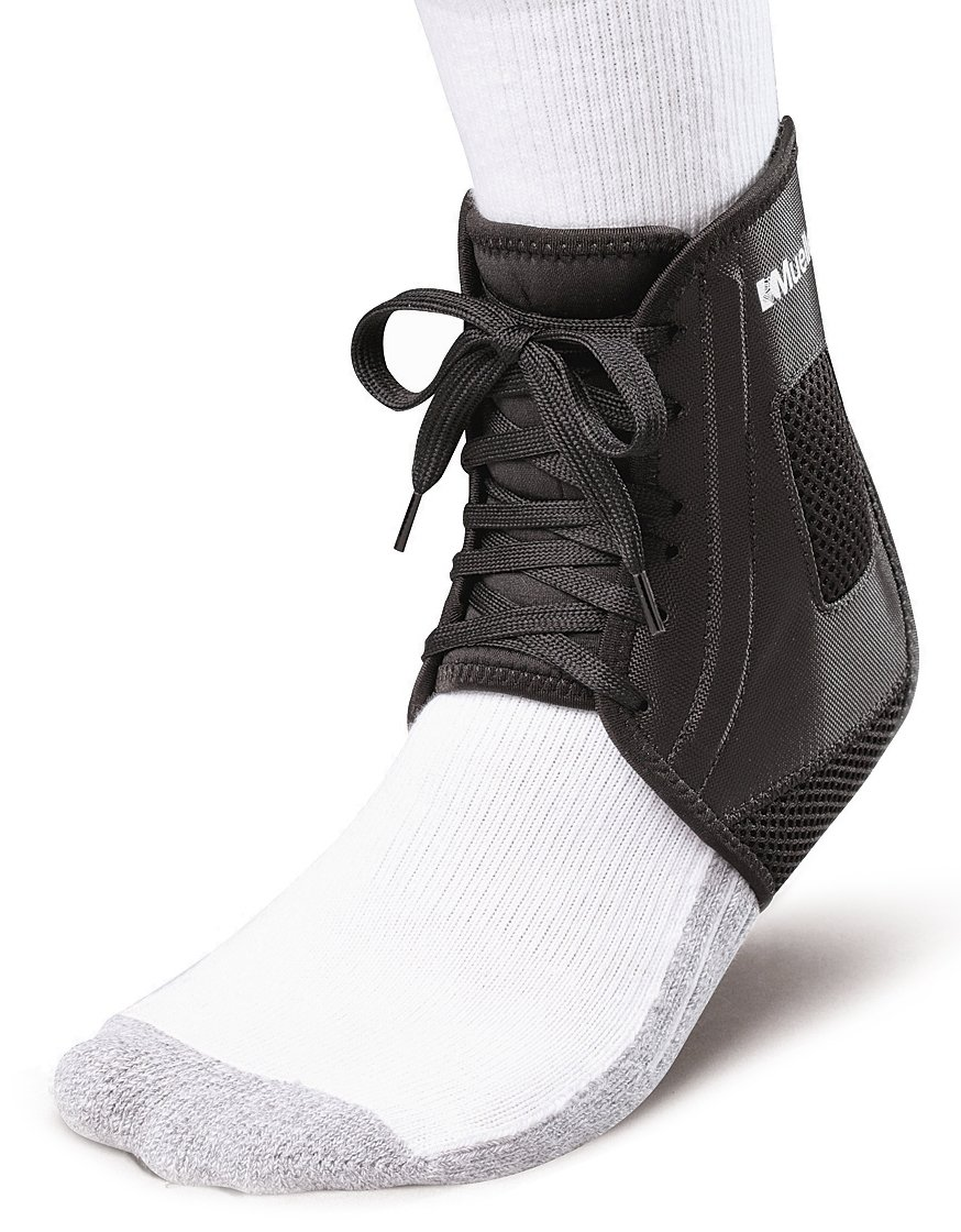 Mueller Soccer Ankle Brace, Black, Medium by Mueller