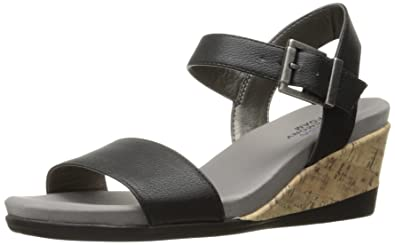 LifeStride Womens Tanglo Wedge Sandal Mushroom Size 110