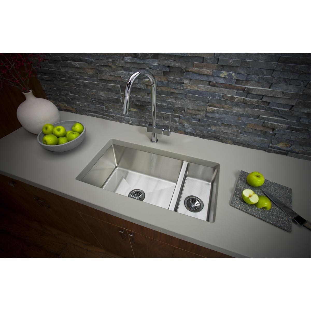 Elkay EFRU3219 Crosstown 30 70 Double Bowl Undermount Stainless Steel Sink