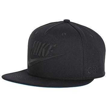 Nike CR7 Cristiano Ronaldo Snapback Cap  Amazon.co.uk  Sports   Outdoors 36a64c69663