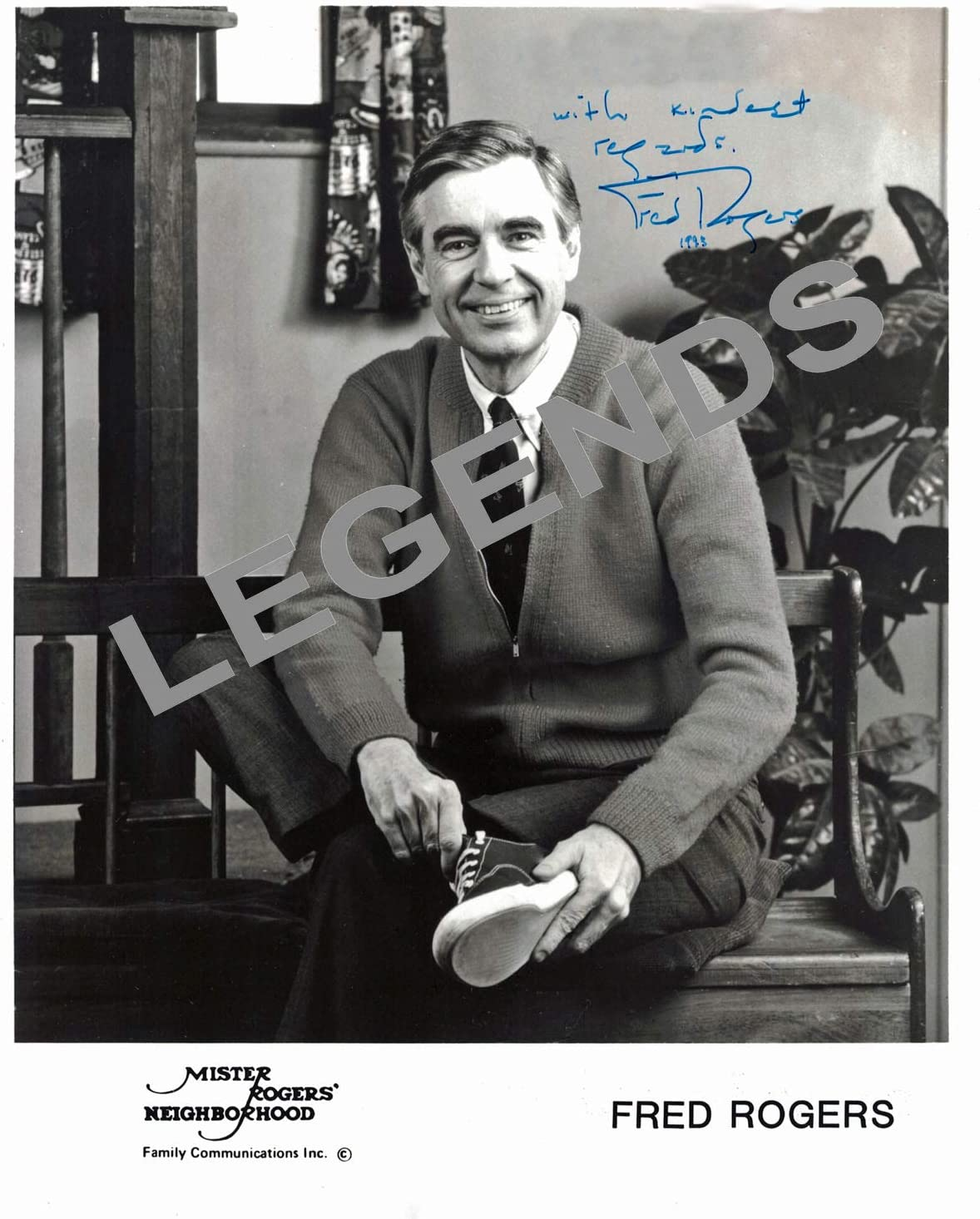 Music Photographs Photographs Autographs Reprints Mister Roger S Neighborhood Autographed 8 X10 Photo Copy Of Fred Rogers Zsco Iq