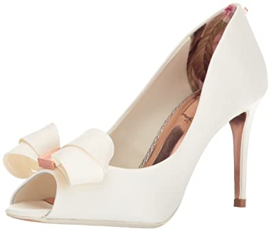 8175b2068b1 Amazon.com  Ted Baker Women s Vylett Pump  Shoes